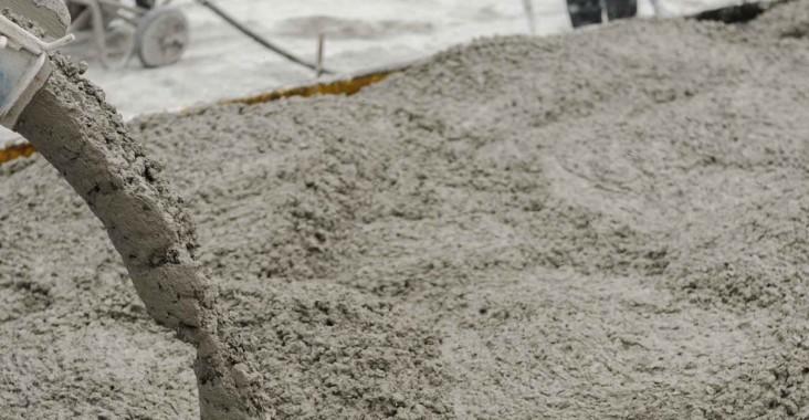 couler la dalle avec beton